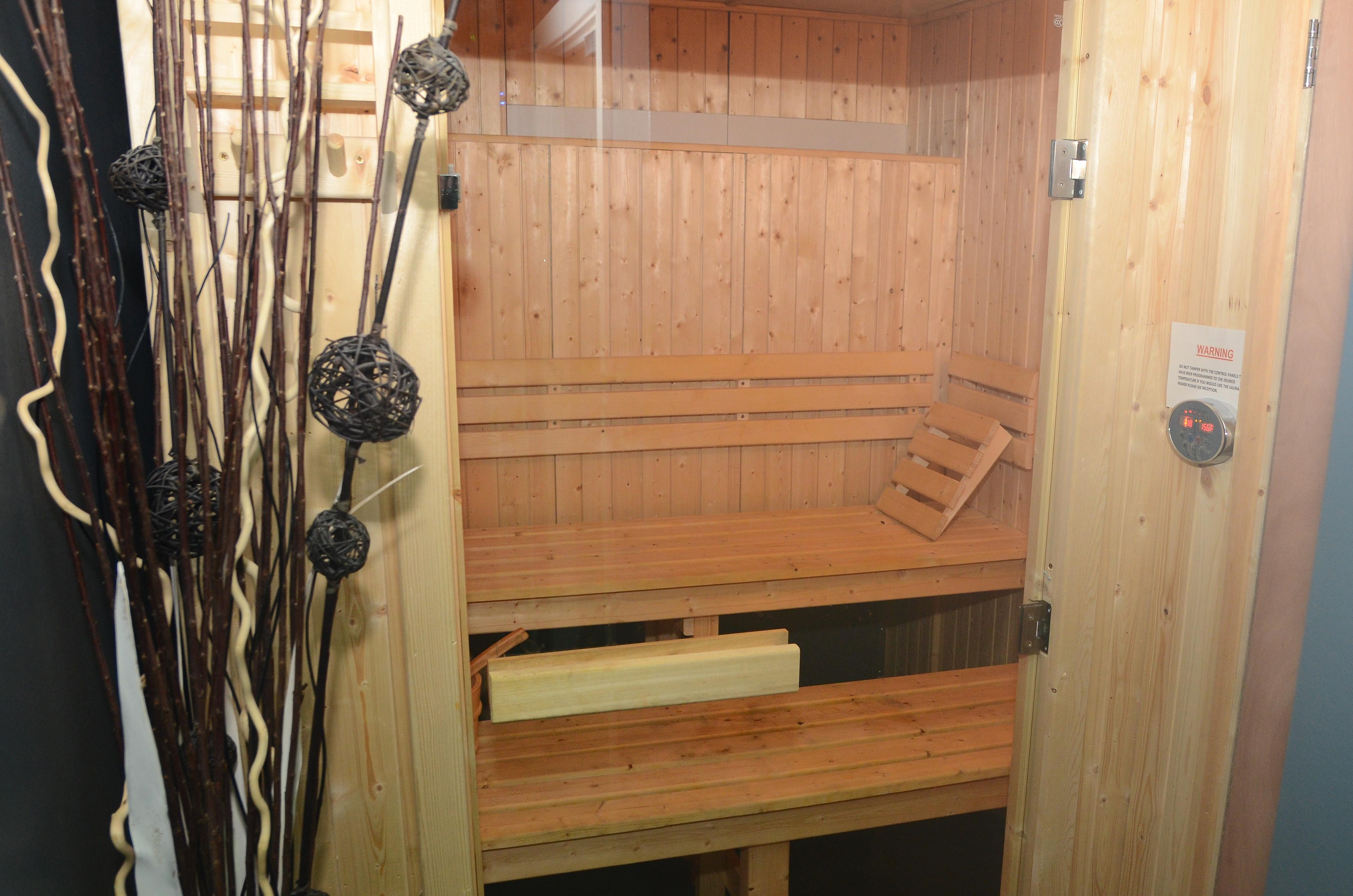sauna under 1 roof